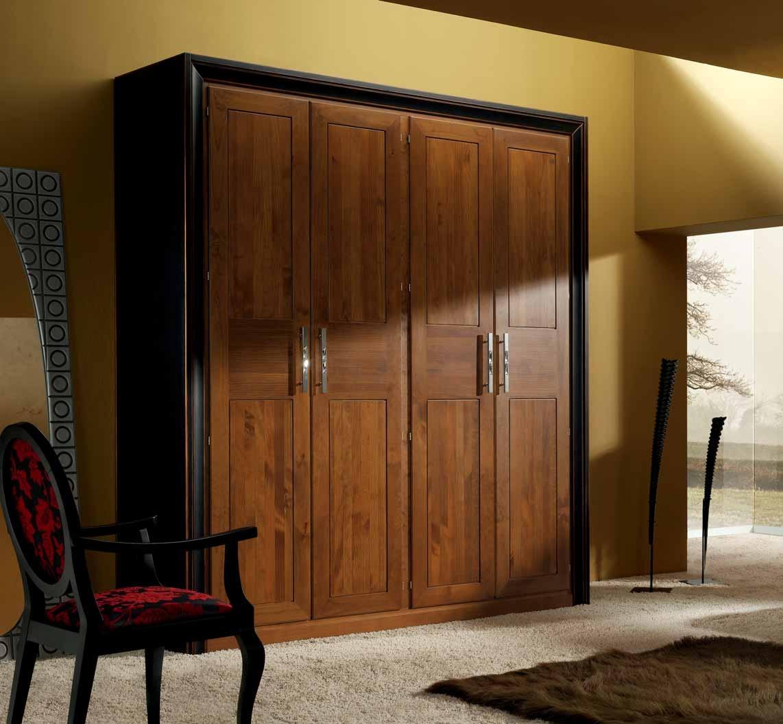 Гардероб с 4 распашными дверьми, отделка состаренный черный .